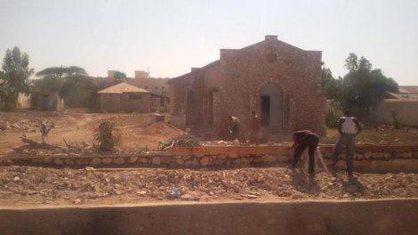 Travaux de réfection d'une église catholique à Hargeisa