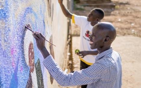 Les artistes du mouvement Ana Tabang. © Charles Lomondong