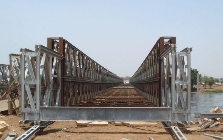 L'ancien pont de Juba sur le Nil blanc